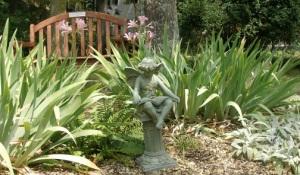 Reading Elf Statue.